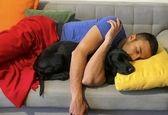 خواب راحت بازیگری ایرانی با سگش + عکس