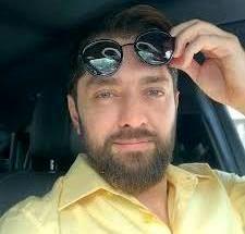آب تنی بهرام رادان در ویلای لاکچری اش / عکس