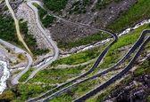جاده زیبا و پر پیچ و خم در چین + فیلم